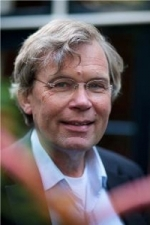 Dr. Maarten van der Linde