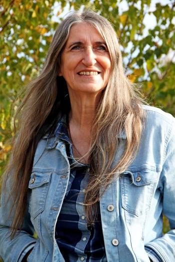 Dr. Martine F. Delfos